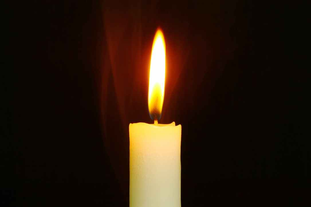 bright burn burnt candle